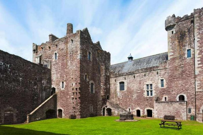 Filming locations in Scotland. Game of Thrones and Monthy Python