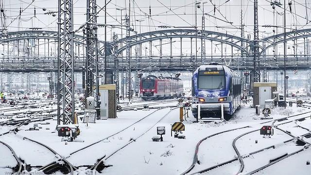 Schnee_zug Geschäftsreise